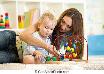 gioco madre, giocattolo, educativo, bambino