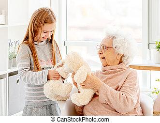 gioco, nonna, piccola ragazza