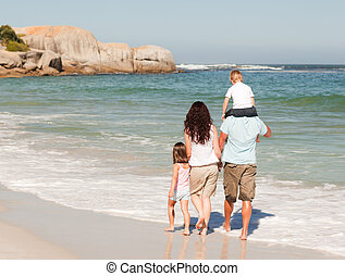 gioioso, famiglia, spiaggia