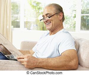 giornale, casa, anziano, lettura, uomo