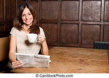 giornale, godere, caffè, lettura donna