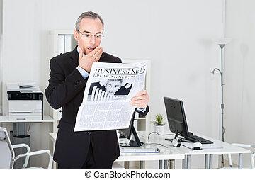 giornale, uomo affari