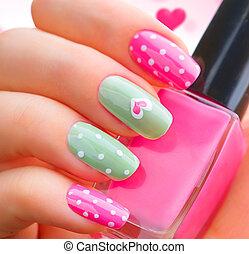 giorno valentines, vacanza, stile, luminoso, manicure, con, dipinto, cuori, e, punti polca
