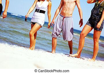 giovane, amici, su, il, estate, spiaggia