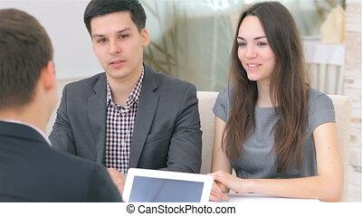 giovane, attraente, coppia, consulta, circa, loro, affari, progetto