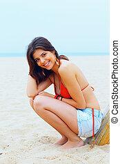giovane, bello, donna felice, spiaggia