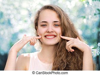 giovane, charmant, divertente, ragazza, carino, sorridente, con, dimpled, in, riscaldare, spri