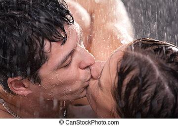 giovane coppia, baciare, ritratto