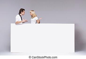 giovane coppia, durante, un, argomento