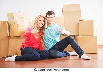 giovane coppia, muoversi dentro, uno, casa nuova