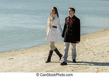 giovane coppia, spiaggia