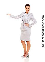 giovane, donna d'affari, fare, benvenuto, gesto