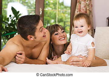 giovane famiglia, felice