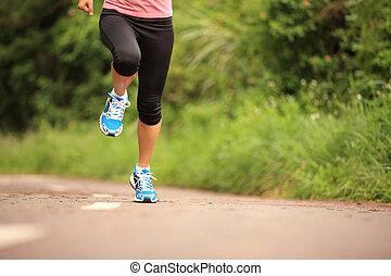 giovane, idoneità, donna correndo