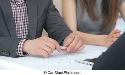 giovane, imprenditore, coppia, consulta, circa, loro, affari
