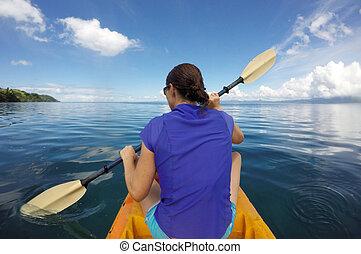 giovane, in, uno, kayak, figi
