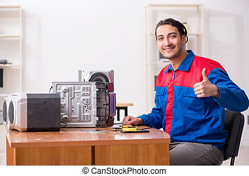 giovane, ingegnere, riparare, sistema, hi-fi, musicale