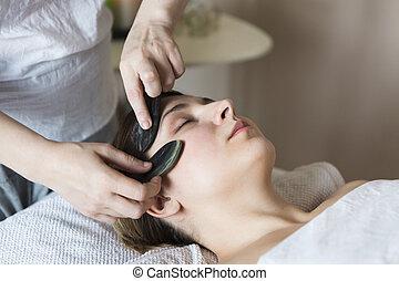 giovane, possedere, faccia, trattamento, a, clinica bellezza