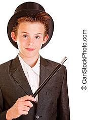 giovane ragazzo, in, elegante, mago, abbigliamento, contro, bianco