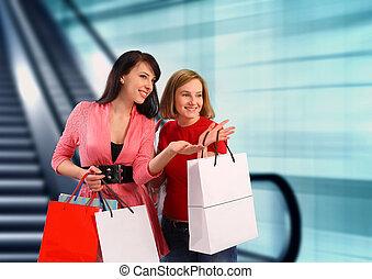 giovane, shopping, due donne