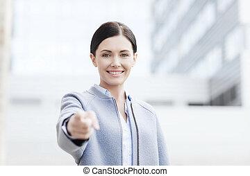 giovane, sorridente, donna d'affari, sopra, costruzione...