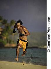 giovane, uomo asiatico, correndo, su, uno, spiaggia