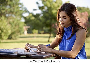 giovani persone, e, educazione, ragazza, studiare, per, università, prova