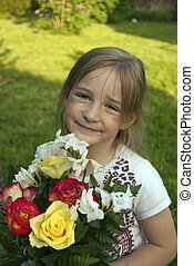 girl, à, fleurs, dans jardin