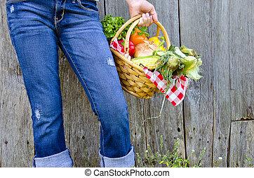 girl, à, légumes frais