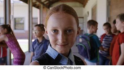 girl, école, couloir, sourire