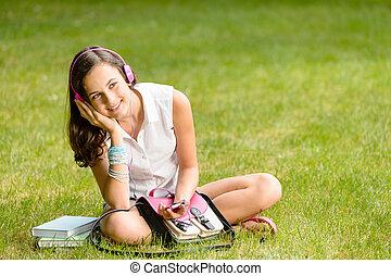 girl, écouteurs, herbe, étudiant, séance