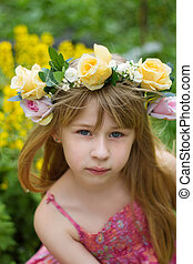 Girl 6 years old a wreath in the meadow - Girl 6 years old ...