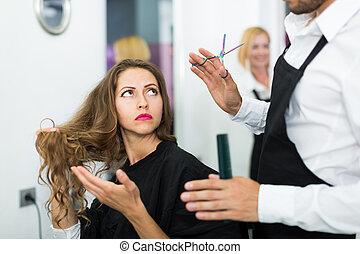 girl, a, coiffeur, baston