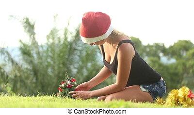 girl, arbre, redresse, ornements, noël