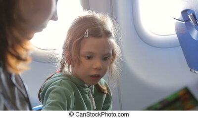 girl, avion, mère, peu