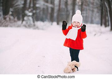 girl, avoir, teddy, neige, jouer, amusement, rouges, peu, hiver, day., ours, manteau