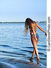 girl, baigner, dans, eau