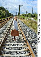girl, chemins fer, jeune, valise