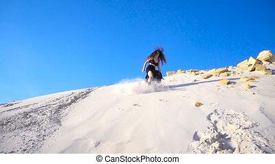 girl, colline, mouvement, sauter, lent, sable, actif