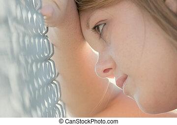 girl, contre, barrière