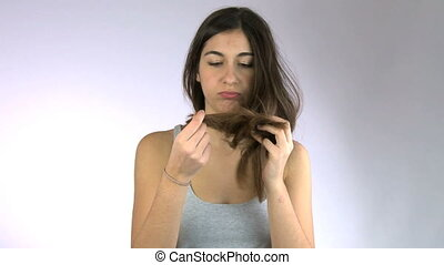 Girl cuts her hair and screams