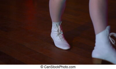 girl dancing