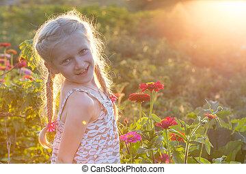girl, dans jardin
