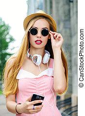 girl, dans, robe rose