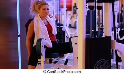 girl doing sports in a gym 4