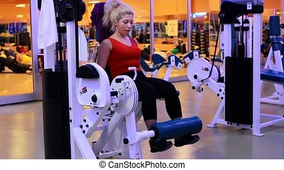 girl doing sports in a gym 5