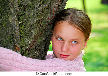 girl, et, grand arbre