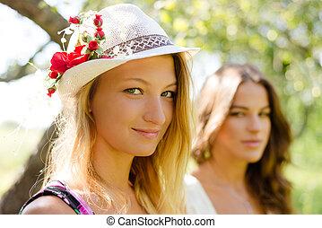 girl-friends, két