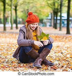 girl, heureux, jeune, jour, automne