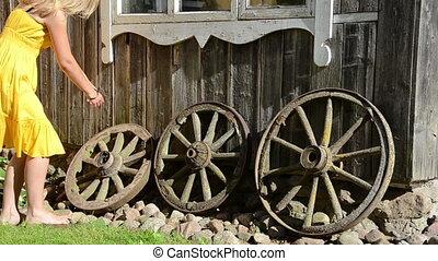 girl house decor wheel